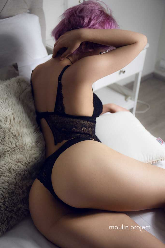 Cassy erotic massage in Prague
