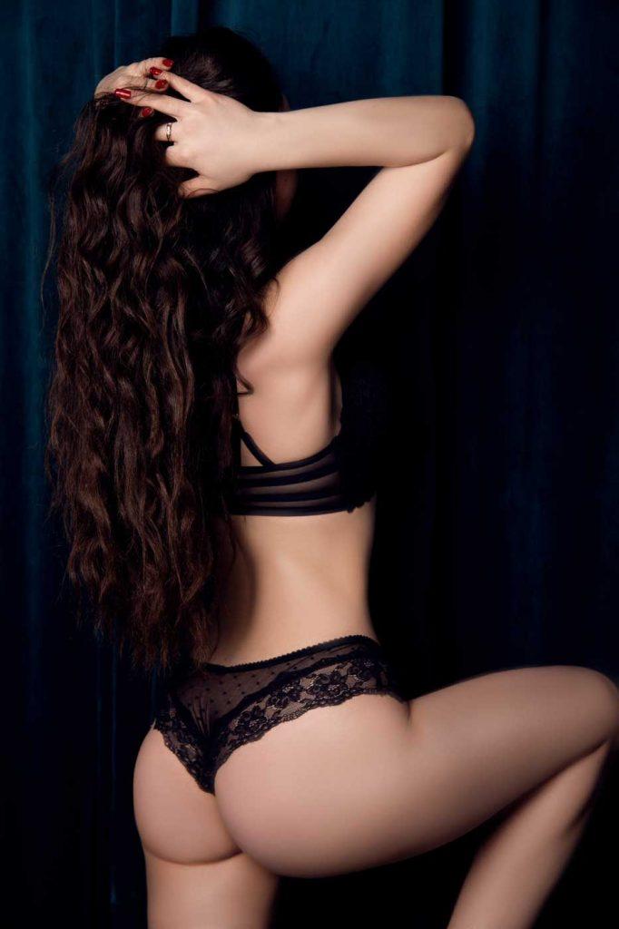 Dasha erotic massage Prague