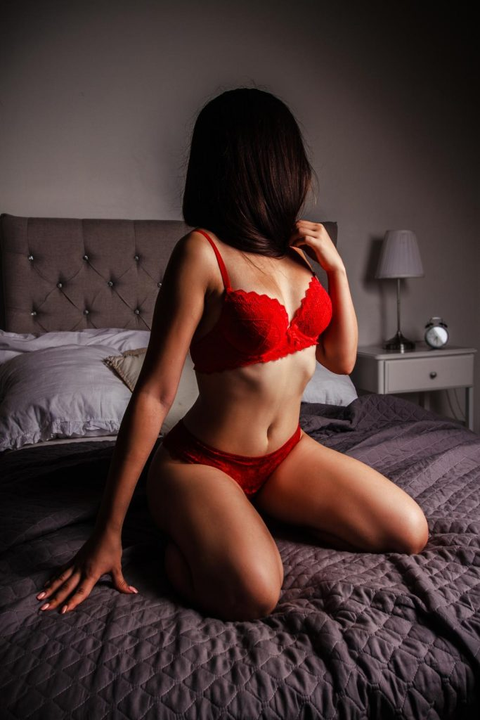 Adel Erotic Massage Erotic Nuru and Tantra Massage