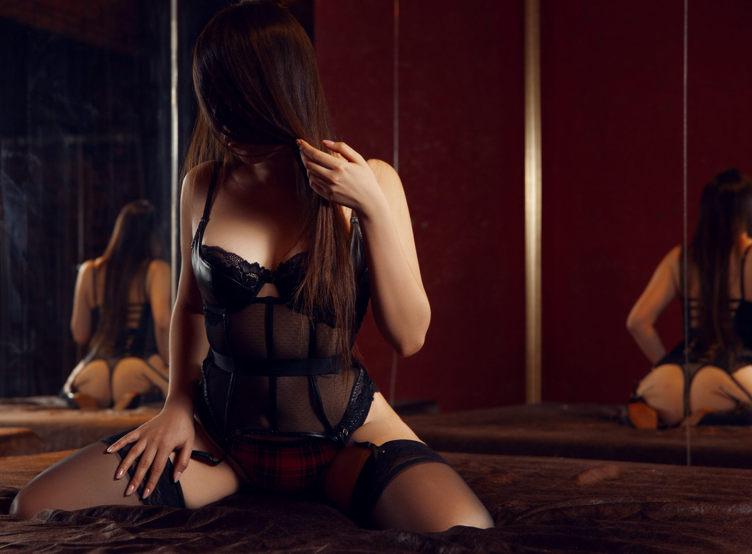 Lola erotic massage Prague
